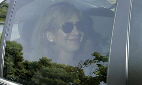 La infanta Cristina vuelve a Barcelona sin su marido