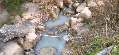 Denuncian un vertido de aguas sucias en el Torrent de Deià