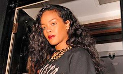 Rihanna la arma en una discoteca londinense