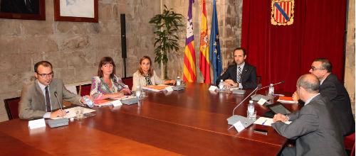 Bauzá acuerda con la oposición reclamar 1.000 millones a Madrid