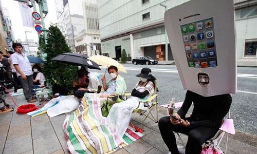 Colas de tres días en Tokio y en Sidney para comprar el iPhone5