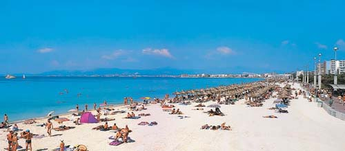 Lleno total en la Playa de Palma