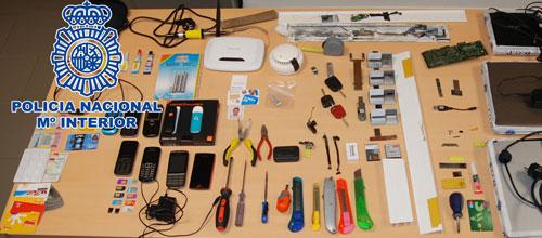 La Policía desarticula una banda que manipulaba cajeros bancarios