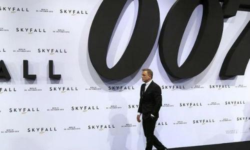 El Vaticano bendice el filme de James Bond