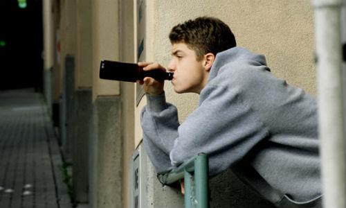 El 70% de los adolescentes bebe alcohol