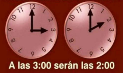 La madrugada del domingo cambió la hora