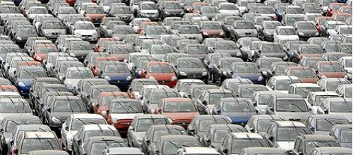 La mitad de los concesionarios de coches insulares pierde dinero