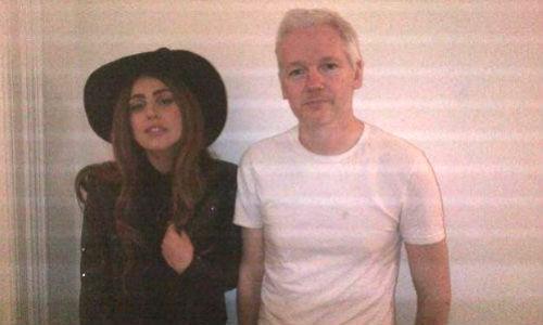 Cena íntima de Lady Gaga con Assange