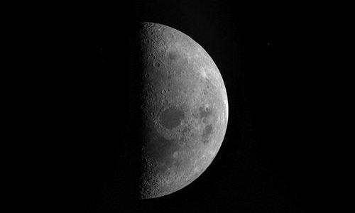 El agua de la Luna tiene su origen en el Sol