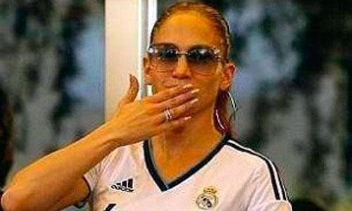 Jennifer López responde a Lady Gaga vestida del Real Madrid