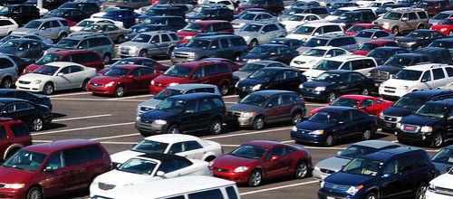 Los 40.000 coches de alquiler inician el éxodo a la península