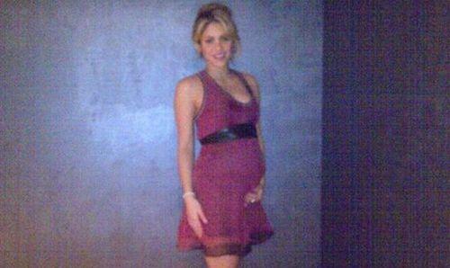 Shakira ya no oculta su embarazo