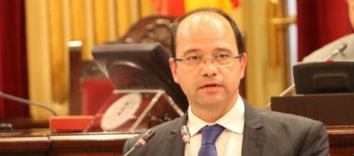 Gornés denuncia que la oposición presiona a los funcionarios