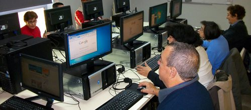 El Govern organiza cursos para promover la inclusión de pymes y ciudadanos