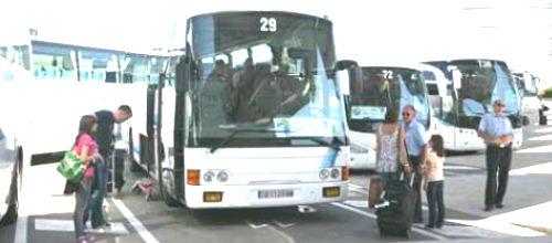 Mañana habrá autocares para turistas pero no para los escolares