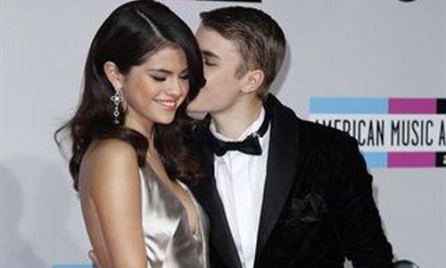 Justin Bieber y Selena Gomez protagonizan una pelea en público