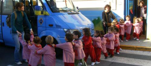 El Govern pagará este año su deuda con el transporte escolar