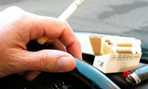 Diez minutos en un coche con un fumador disparan la exposición del niño