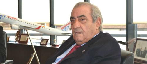 Air Europa y Sepla acuerdan reducir un 15% el salario de los pilotos