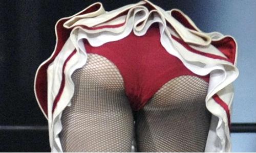 Madonna recauda 60.000 dólares enseñando el culo
