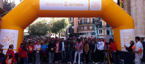 Éxito de participación en la marcha 'Pacte Palma-II Nordic Walking'