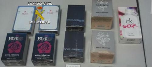 Detienen a dos jóvenes rumanos por hurtos en farmacias