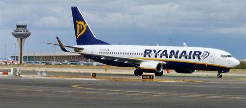 Ryanair aplica un recargo por pagar los billetes con tarjeta de crédito