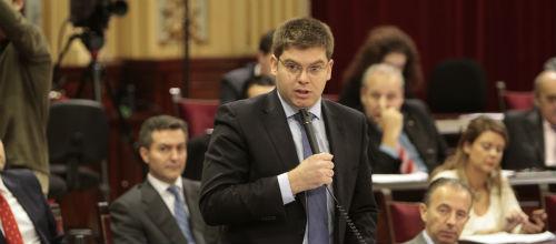 Sansaloni afirma que no trabaja en privatizar la sanidad