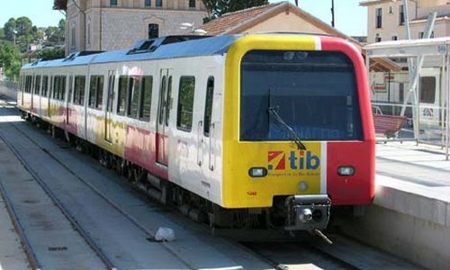 Horarios especiales de tren y metro para Nochebuena y Navidad