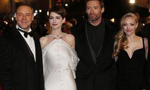 Hathaway, impresionante en el estreno de 'Los Miserables'