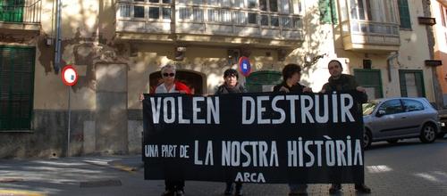 ARCA protesta contra la demolición de una casa de plaza Quadrado