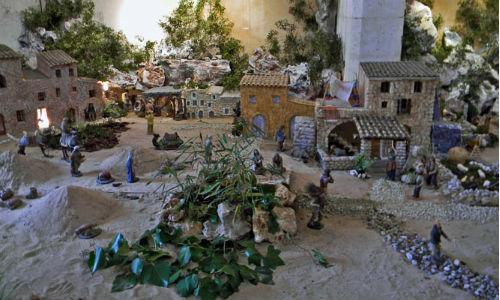Exposición de belenes realizados entre los siglos XVIII y XXI