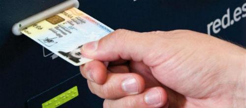 Detenidas 15 personas por falsificar documentos destinados a extranjeros