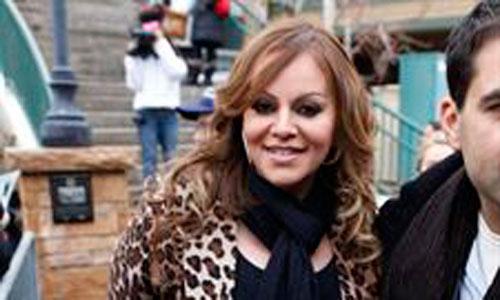 Muere la cantante mexicana Jenni Rivera en accidente de avión