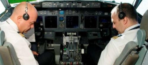 Los pilotos de Air Europa se enfrentan al Sepla por la reducci�n de salarios