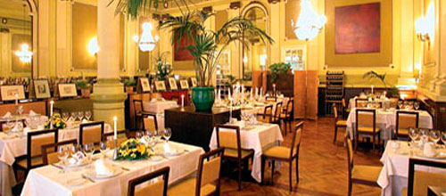 Los restaurantes acogen un número de reservas similar a 2011