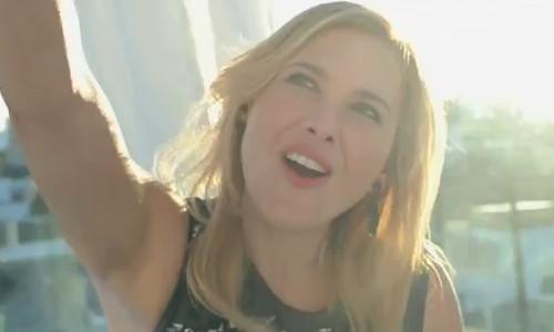 Victoria Maldi, espléndida en el primer videoclip