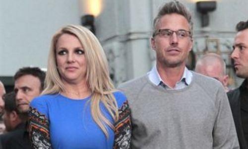 Britney Spears confirma la ruptura con su novio