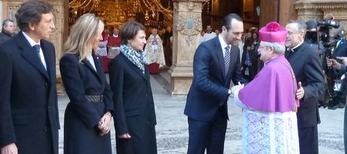 Bauzá muestra su apoyo al obispo