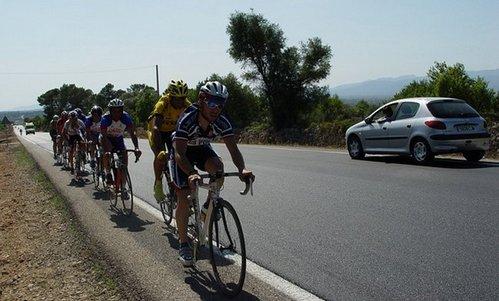 Acuerdo para proteger a los ciclistas en la carretera