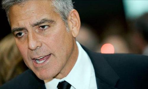 George Clooney invita a cenar a un desconocido, que no le reconoce