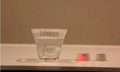 Cubitos de hielo que advierten de cuándo hay que dejar de beber
