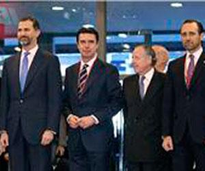 El estand de Baleares causa la admiración del Príncipe y del Ministro