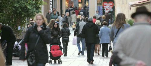 Las rebajas arrancan con gran afluencia de público a las zonas comerciales