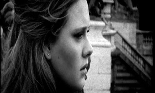 Adele recurre a la hipnosis para cantar en los Oscar