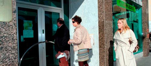 Bankia cerrará finalmente 29 oficinas y despedirá a 136 empleados en Baleares