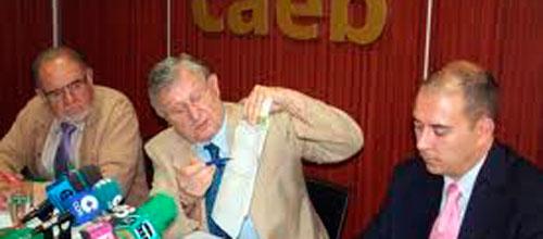La CAEB contradice al Govern y anuncia más recesión para 2013