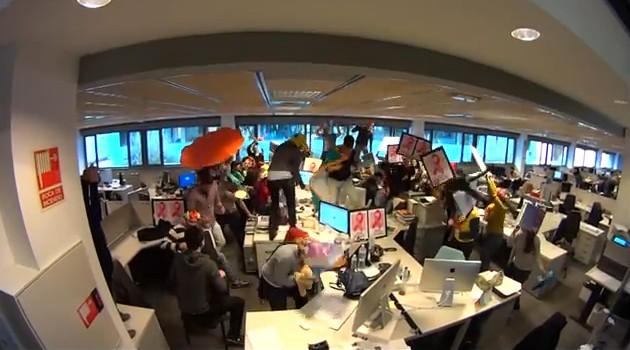 Los trabajadores de Orizonia protestan con un 'Harlem Shake'