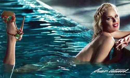 Herzigova, como la Marilyn más sensual