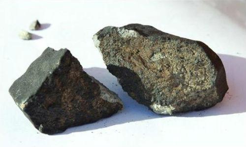 Los rusos, locos por pillar restos del meteorito
